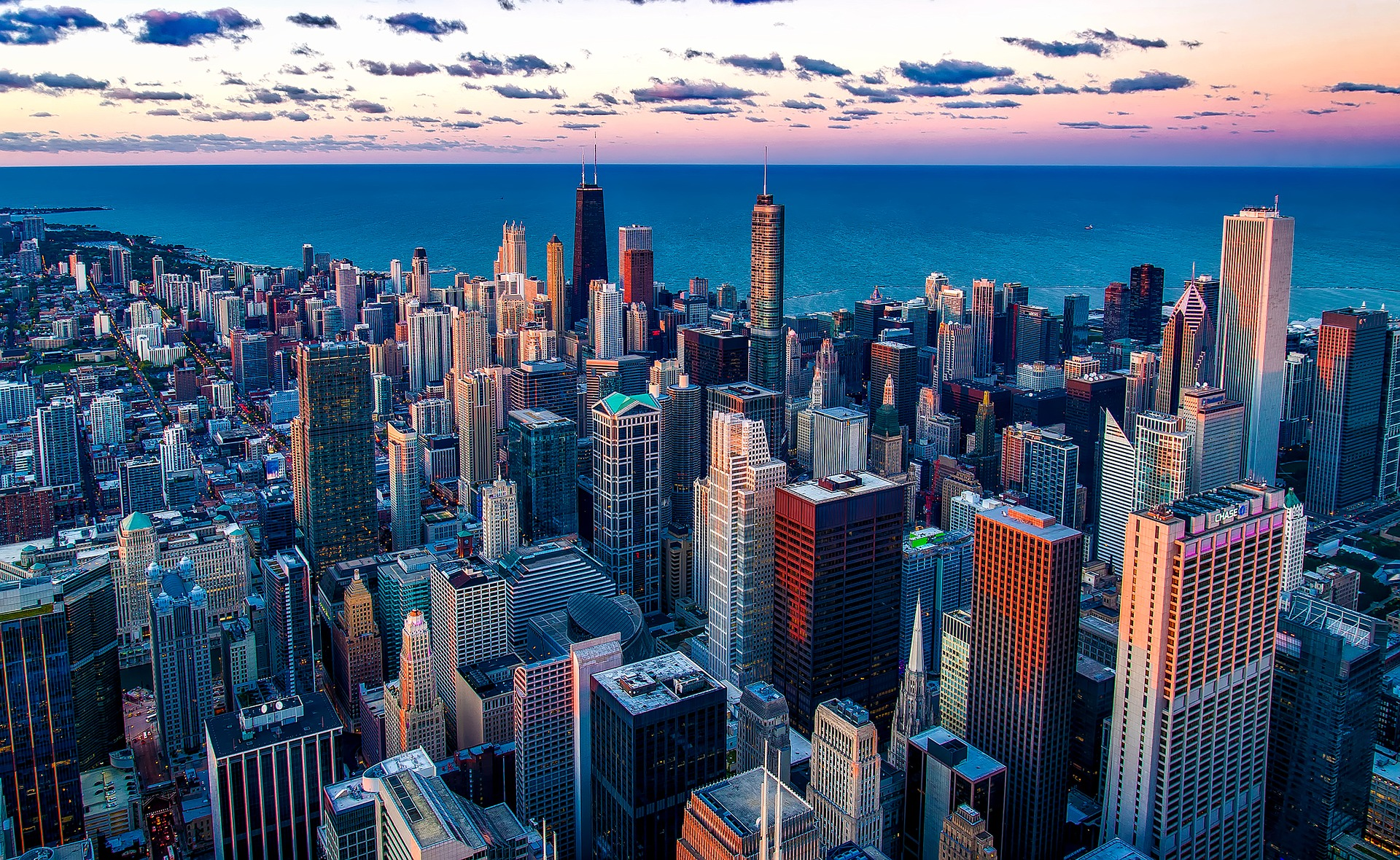 Chicago FlightAndHotelGuru.com